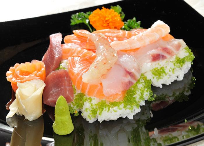 Chirashi - Riso con filetti di pesce
