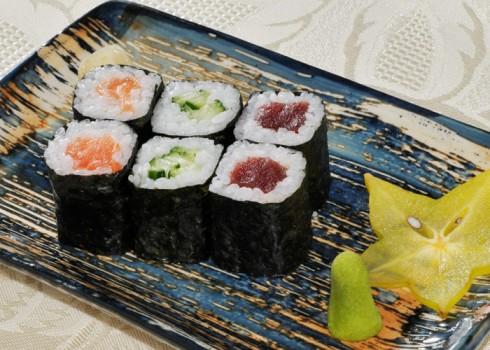 Hosomaki mix maki - Riso, tonno, salmone e cetriolo