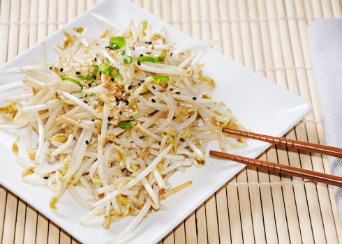moyashi germogli di soia alla piastra