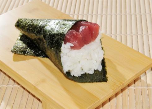 Maguro temaki - Negitoro temaki - Cono di alga con riso e tonno