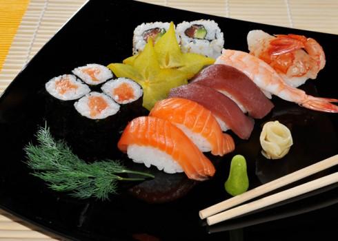 SUSHI MAKI B - 6 Nigiri, 2 Uramaki, 4 Hosomaki