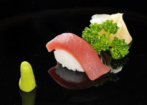 Sushi nigiri maguro. Nigiri di tonno