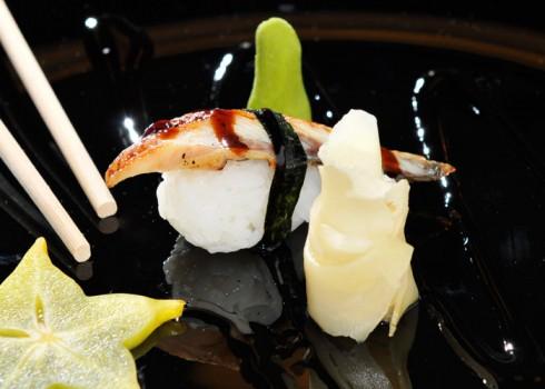 Sushi nigiri unagi. Nigiri di anguilla*