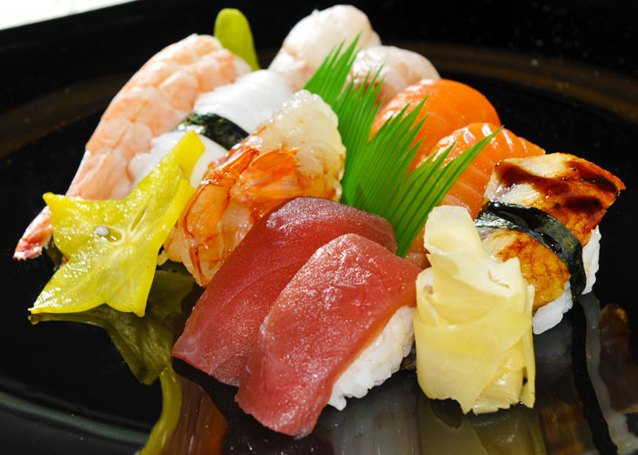 sushi pesce crudo con riso mode sushi